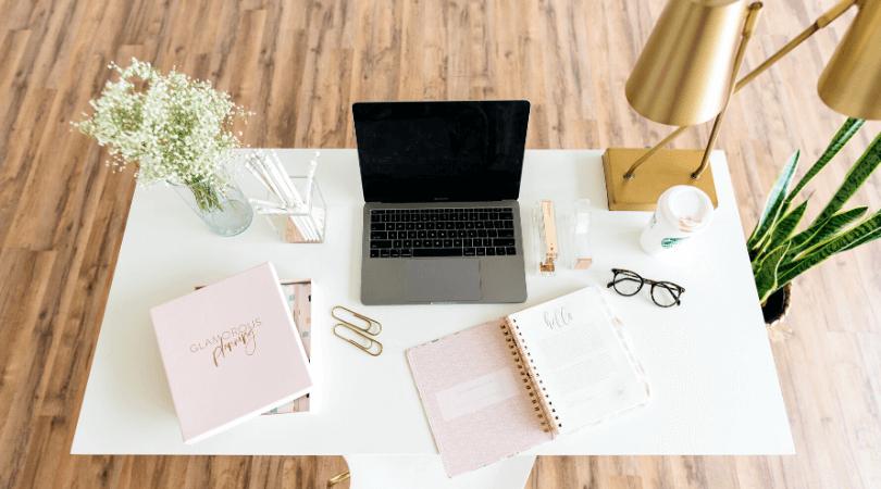 Pas toujours évident de rester productif chez soi mais en appliquant ces conseils, vous serez au top pour travailler efficacement de la maison #télétravail #productivité #efficacité