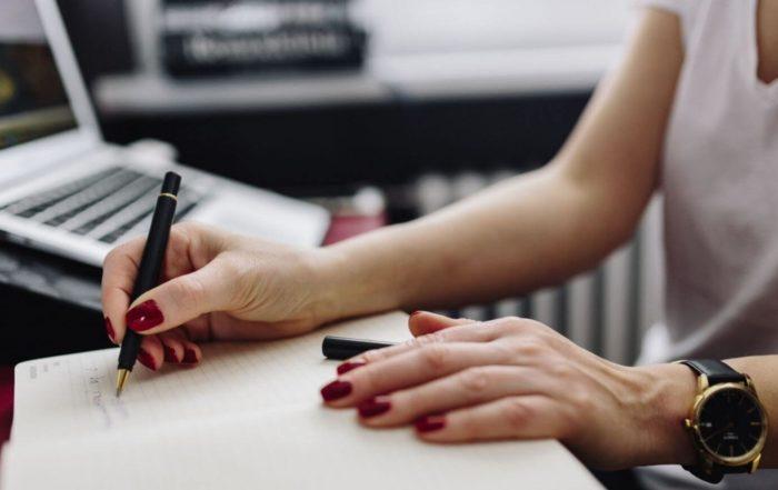 Comment je m'organise au quotidien pour concilier entrepreneuriat et salariat ?